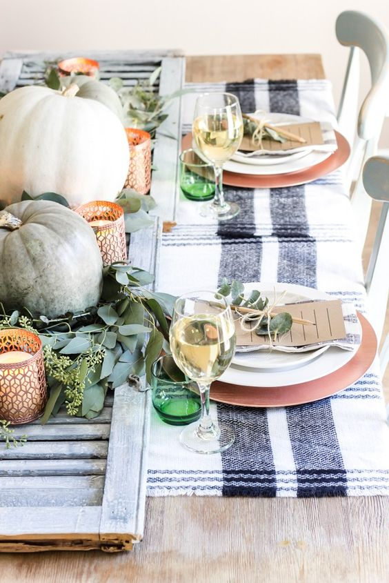 Shutter-thanksgiving-centerpiece.jpg